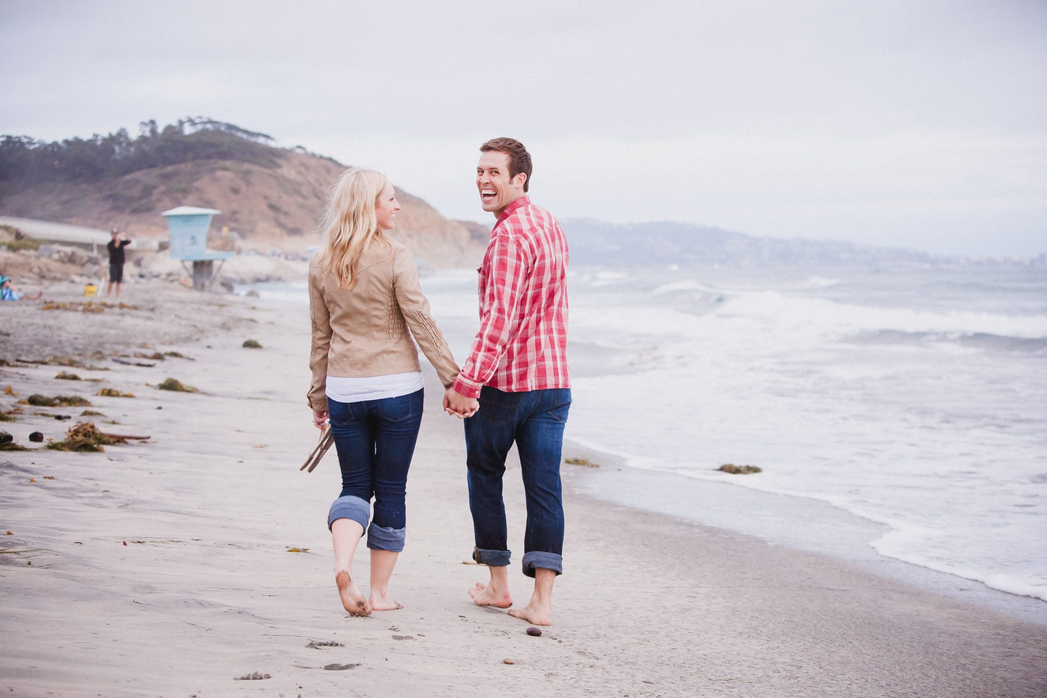c2e03a4863 21 Engagement Picture Outfit Ideas | Kaitlin Cooper Photography